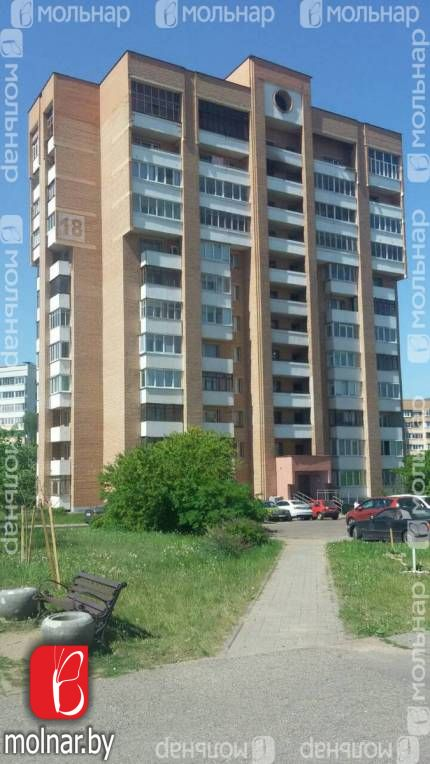 Продаётся просторная, светлая квартира с удачной планировкой в кирпичном доме. ул.Украинки,18
