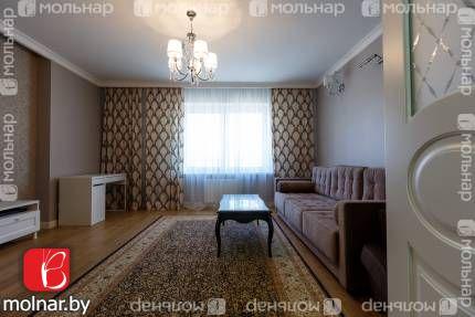 Продам 2-комнатную квартиру. Площадь 69.7/37.3/13