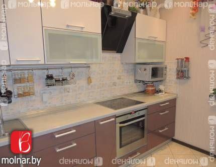 Продается 2-комнатная квартира в красивом новом доме возле метро Спортивная, по ул. Притыцкого, 39.