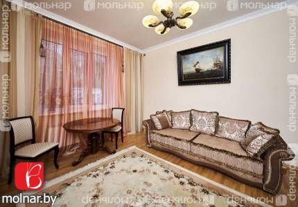, 10  Продается стильная VIP-квартира в центре с антикварной мебелью и элементами декора