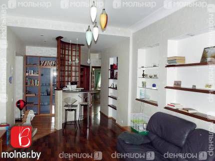 , 17  Продается просторная трехкомнатная квартира-сталинка в историческом центре Минска