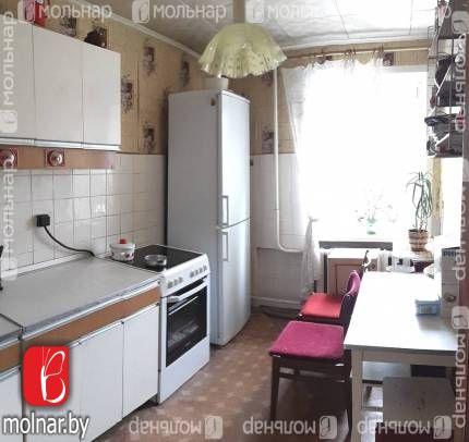 , 154  Продается просторная двухкомнатная квартира в кирпичном доме