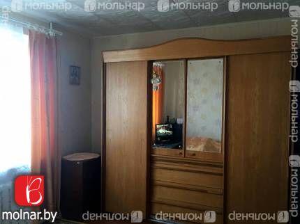 , 2  Продаётся 2-х комнатная квартира отличной планировки в кирпичном доме на первом (высокий) этаже