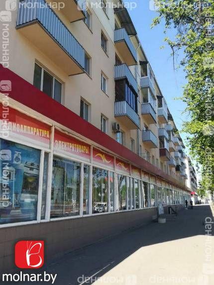 Продаётся квартира в кирпичном доме у метро. ул.Долгобродская,28