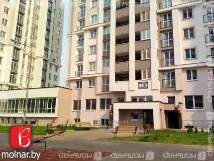 Продаётся 3-х комнатная квартира с высокими потолками в 3,34 метра! ул.Туровского,12