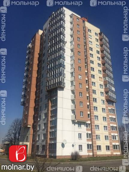 Видовая 3-х комнатная  квартира с современным ремонтом. ул.Семёнова,36