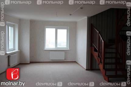 , 45  Современная 4-комнатная 2-х уровневая квартира в каркасно-блочном доме по ул