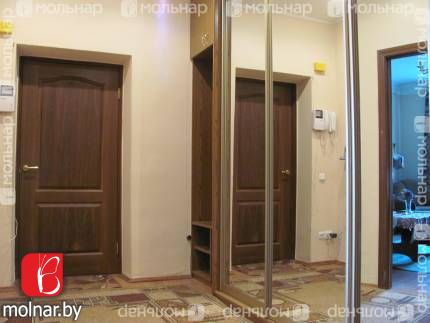 , 4  Просторная светлая квартира с большими раздельными комнатами,кухней 10 кв