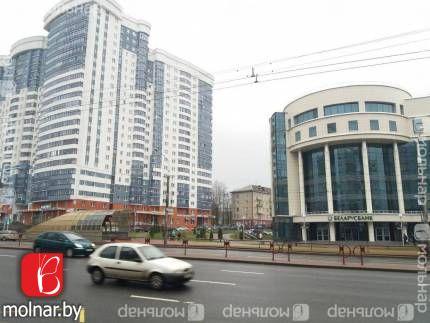 Продаётся двухкомнатная квартира с ремонтом возле метро. пр.Дзержинского,22