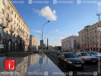 Жить в Минске, значит жить в центре! Квартира - сталинка в историческом центре.
