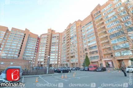 Продаём трехкомнатную квартиру в кирпичном доме. пр.Независимости,181