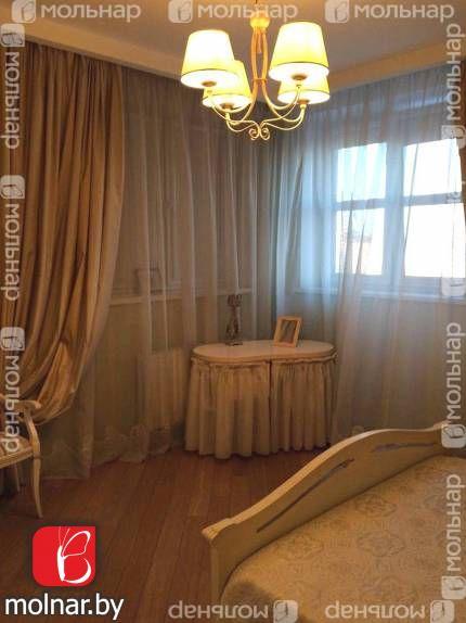 , 17  Продаётся трехкомнатная квартира в доме на берегу реки Свислочь