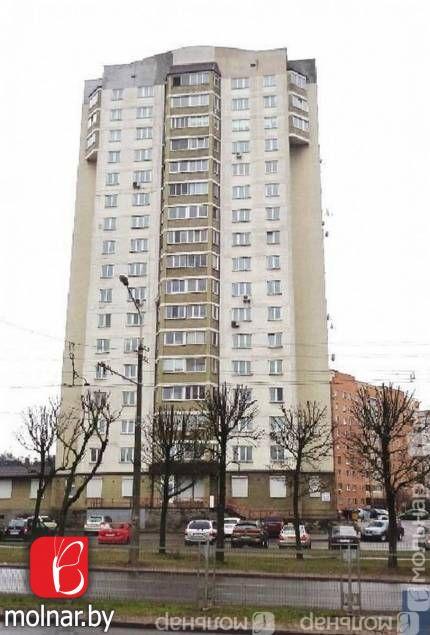 Продаётся просторная 4-х комнатная квартира. ул.Филимонова,12