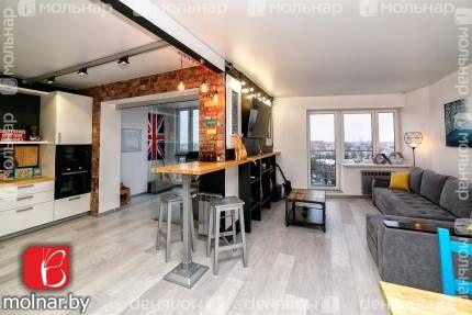 , 45  Трёхкомнатная квартира с отличным ремонтом из высококачественных строительных материалов!  Современный дизайн и функциональная планировка!  Просторная кухня-гостиная, две спальные комнаты, рабочий кабинет,  гардеробная, два санузла
